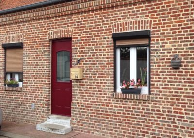 Rénovation de façade en briques, sablage, rejointoiement et hydrofuge – RUE – 80