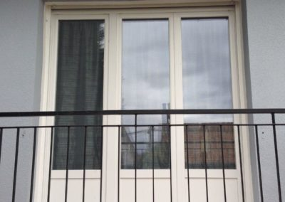 Porte fenêtre 3 vantaux en PVC blanc avec volet roulant monobloc – Rue ( 80120 )