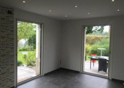 Porte à galandage en aluminium ( en remplacement de fenêtres) – Rue ( 80 )