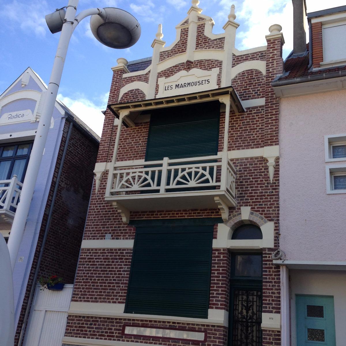 PHOTO Façade en briques RUE / FORT-MAHON