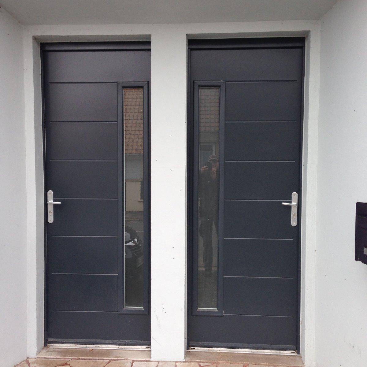 Portes d'entrée en aluminium RAL 7016 - RUE - 80