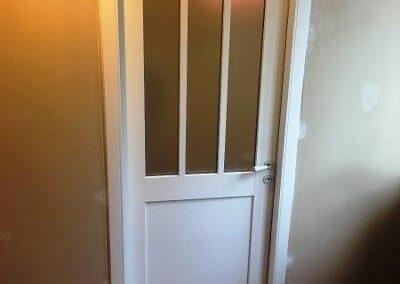 Porte d'intérieur en bois, style atelier avec poignée porcelaine- RUE – 80
