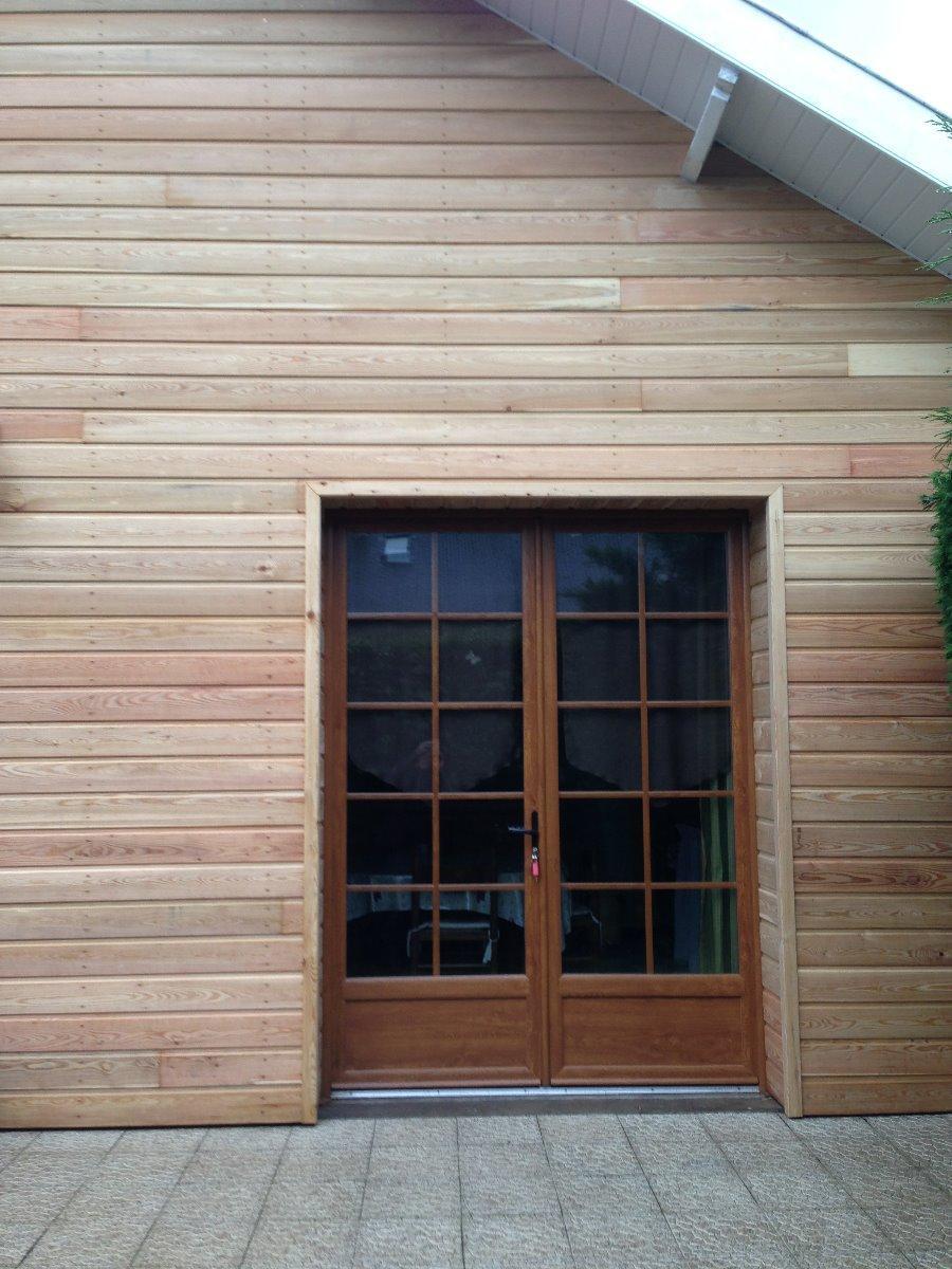 Porte fenêtre en PVC plaxé chêne avec petits bois intégrés - RUE - 80
