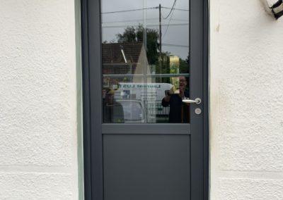 Porte d'entrée PVC gris anthracite